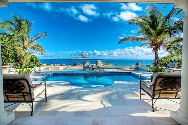Les Palmiers, a 1BR vacation rental on Baie Rouge Beach, Terres Basses, St Martin... 800 480 8555 - LES PALMIERS... OMG! the ultimate love nest on the beach! - Baie Rouge - rentals