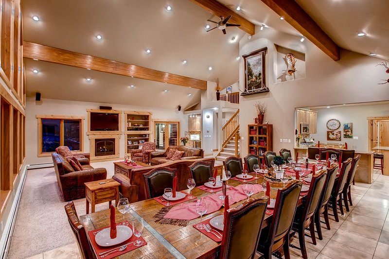 Dining Area - Stunning Mountain Home – Exclusive, Private on 18 - Estes Park - rentals