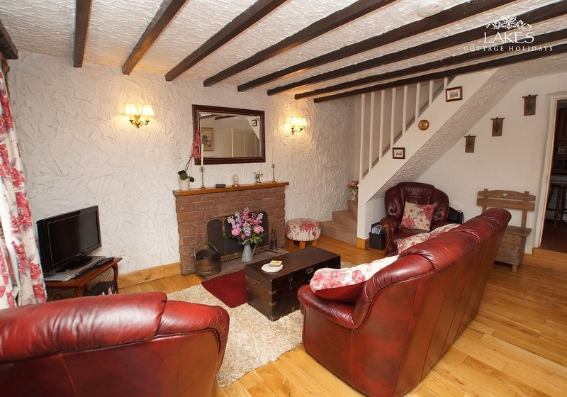 COSY COTTAGE, Warcop, Eden Valley - Image 1 - Warcop - rentals
