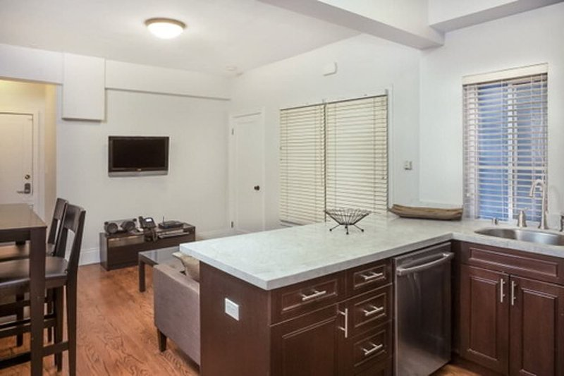 MODERN AND GORGEOUS 2 BEDROOM APARTMENT - Image 1 - San Francisco Bay Area - rentals
