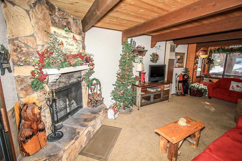 Bear Mtn Escape Cabin~Foosball~Outdoor Spa~New Flat Screens~WiFi~Fireplace~BBQ~ - Image 1 - Big Bear Lake - rentals