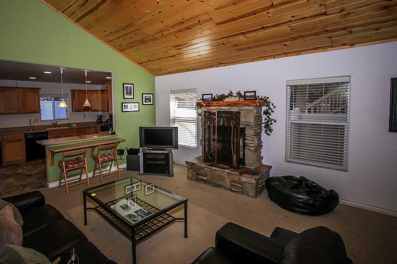 Fireplace, Flat Screen TV, and Internet - 928-Mountain Time - Big Bear Lake - rentals