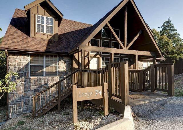 Location - Quiet Creek Cabin - Spacious 4 Bedroom Cabin at beautiful Stonebridge Resort! - Branson West - rentals