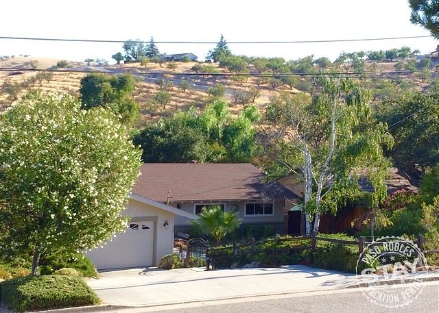 You will think you are in Tuscany with view! Next to downtown Paso - Image 1 - Paso Robles - rentals