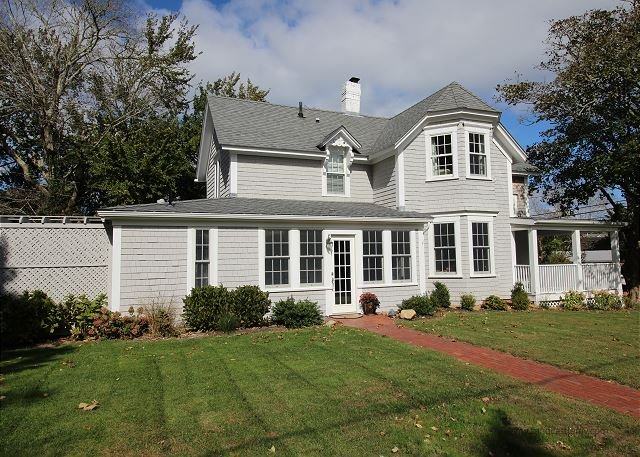Great in-town Edgartown Home - Image 1 - Edgartown - rentals