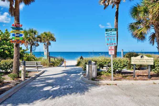 BEACHSIDE TOWNHOME 2BR/2.5BA/2 Carport **PETS OK** - Image 1 - Indian Rocks Beach - rentals
