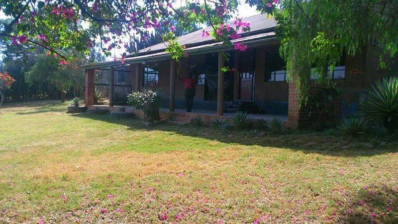 QVC Safari Home Offers Spacious Front Yard Perfect For Sun Basking, Bar-B-Que Or Picnics. Karibu.  - QVC Safari Home Kenya - Nairobi - rentals