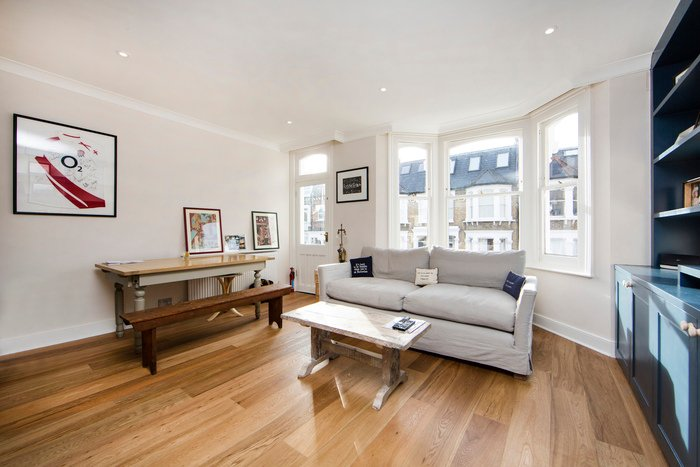 Modern and bright one bedroom apartment perfectly located in the heart of Fulham. - Image 1 - London - rentals