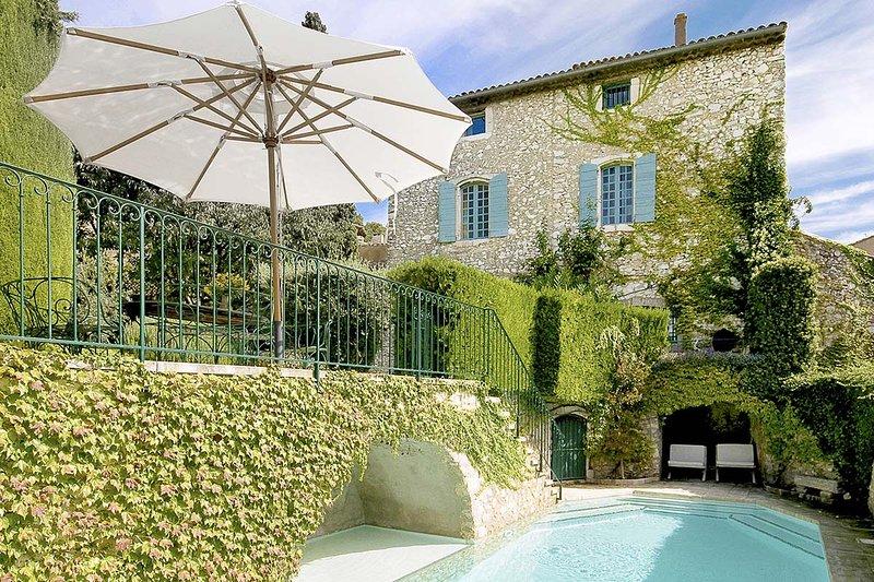 Terrasse des Alpilles, Sleeps 14 - Image 1 - Eygalieres - rentals