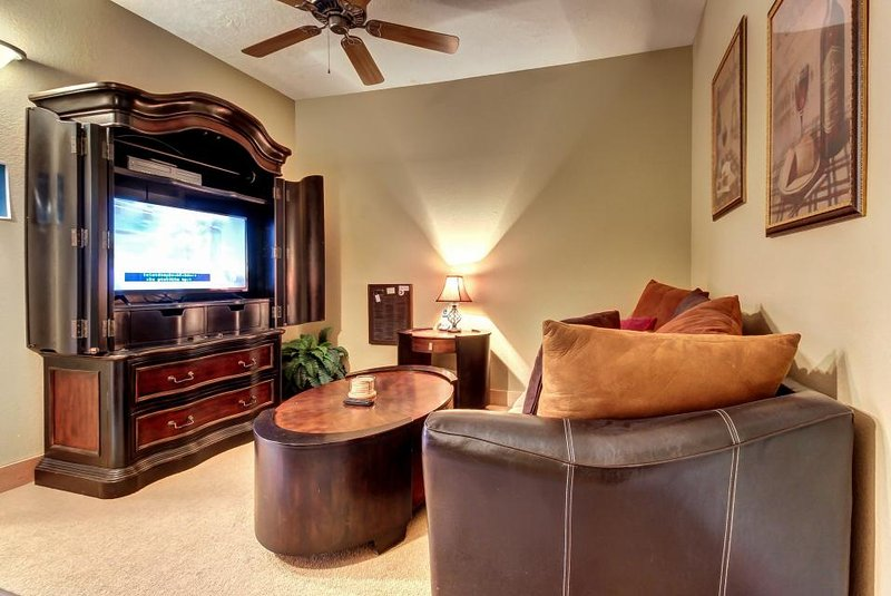 Modern condo w/ shared hot tub & pool! Only quarter mile from Brian Head Resort! - Image 1 - Brian Head - rentals