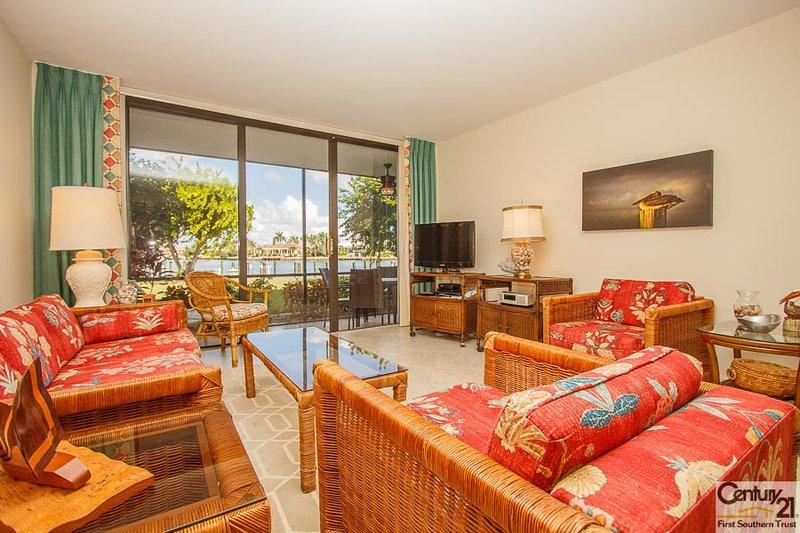 Living Area - SSE B-106 - South Seas East - Marco Island - rentals