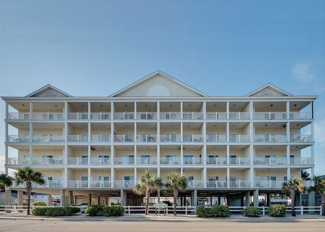 Spacious 6 bedroom, 5 bathroom, 2nd row condo - Image 1 - North Myrtle Beach - rentals