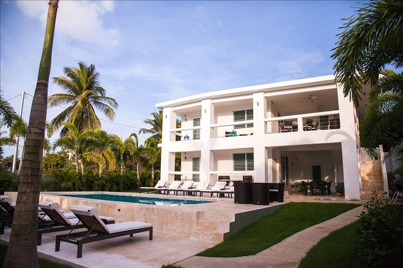 The Haven - Poolside Level of Private Tropical Sanctuary - Image 1 - Isla de Vieques - rentals
