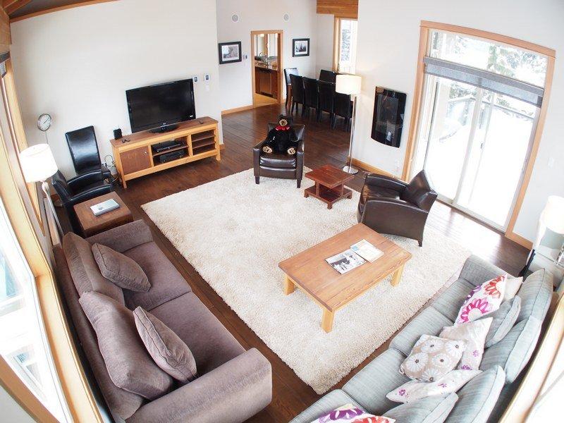KL405Livingroom - Kookaburra Village Center - 405 - Sun Peaks - rentals
