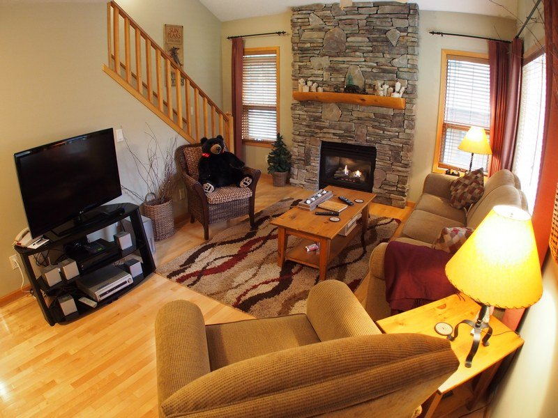 Cot11Livingroom - Fairway's Cabins and Cottages - Cottage 11 - Sun Peaks - rentals