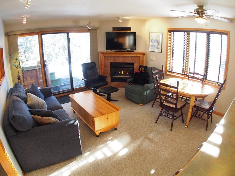 SC37Livingroom - Snow Creek Village - SC37 - Sun Peaks - rentals