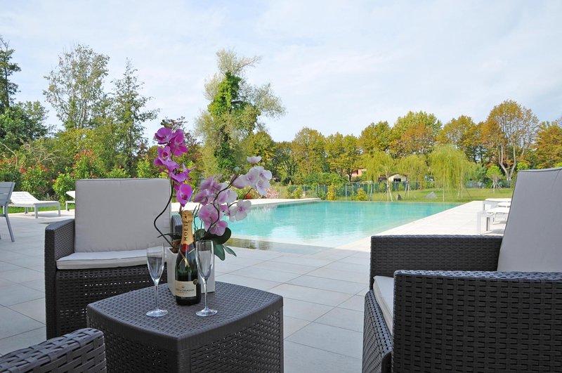 ** SPECIAL OFFER ** VILLA ATENA Luxury retreat near to beaches and restaurants - Image 1 - Marina Di Pietrasanta - rentals