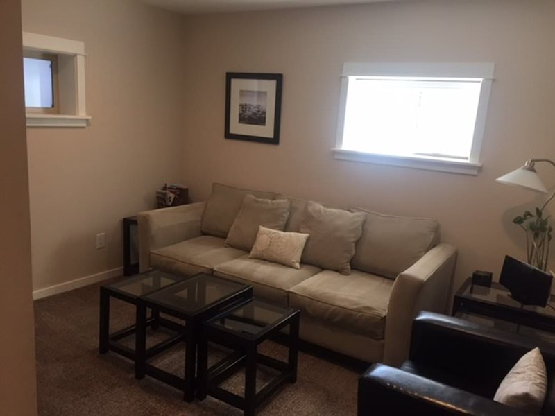 Beautifully renovated & spacious-E - Image 1 - Seattle - rentals