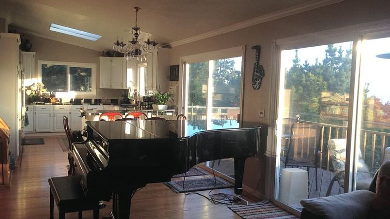 Furnished 5-Bedroom Apartment at Grand Ave & Olympian Way Pacifica - Image 1 - Pacifica - rentals