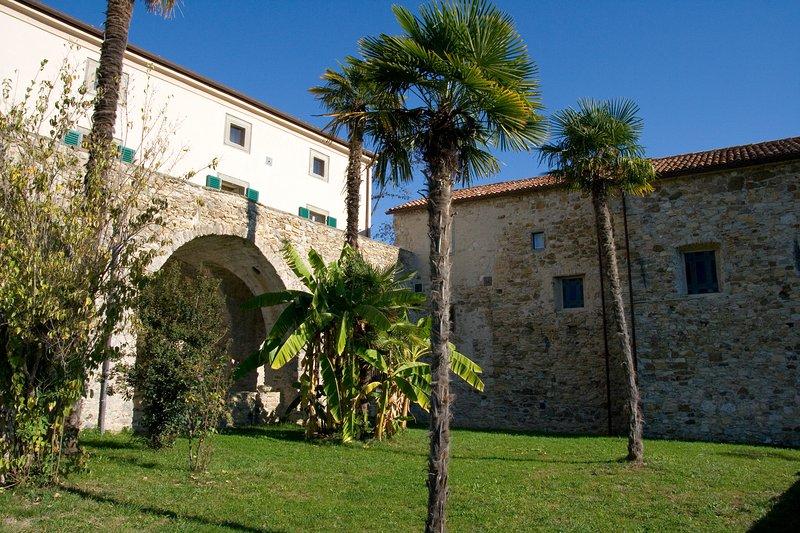 Villa il Monastero - Park - VILLA IL MONASTERO near to Cinque Terre Beach clubs and restaurants - Castiglione - rentals