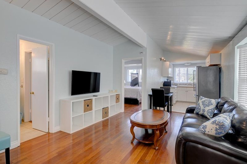 OB Pier #3 - Dog-friendly beachfront unit surrounded by restaurants and shops - Image 1 - Pacific Beach - rentals