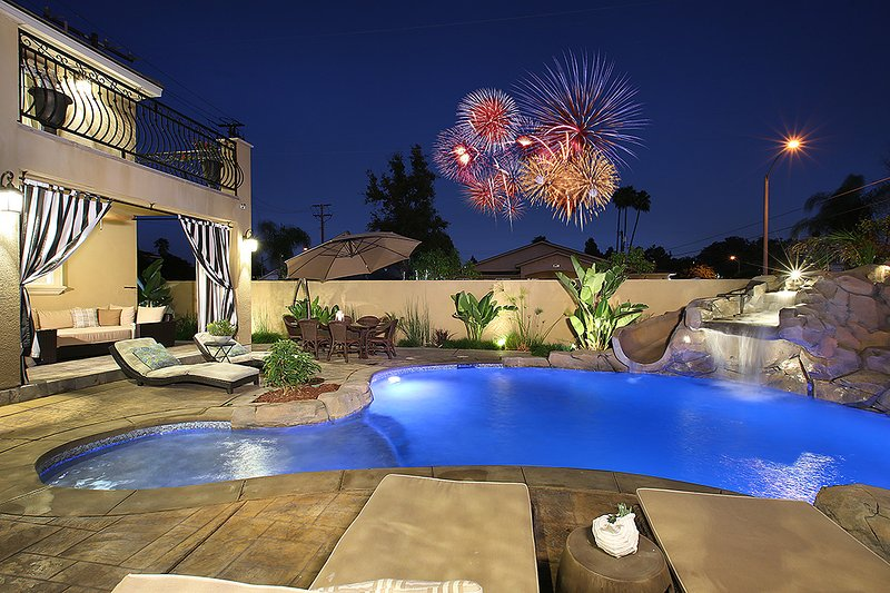 Fireworks view from backyard and pool - New Built, Walk to Disneyland, 4000sqft, Fireworks - Anaheim - rentals