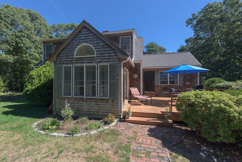 Large Private Deck with Deck, Dining and Grilling Area - JOANG - Walk to Town, WiFi, Room A/C - Vineyard Haven - rentals
