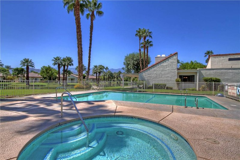 Super Condo with 2 Bedroom & 2 Bathroom in Rancho Mirage (047RM) - Image 1 - Rancho Mirage - rentals