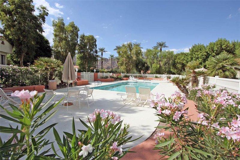 Picturesque 2 Bedroom & 2 Bathroom Condo in La Quinta (172LQ) - Image 1 - La Quinta - rentals