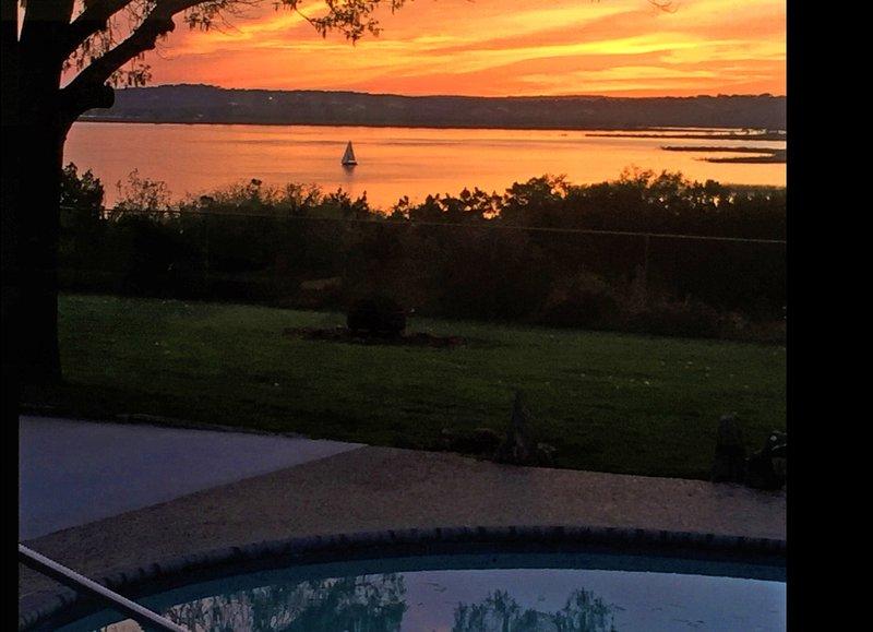 Limin' Lakehouse - Great Amenities, Pool, Hot Tub - Image 1 - Canyon Lake - rentals
