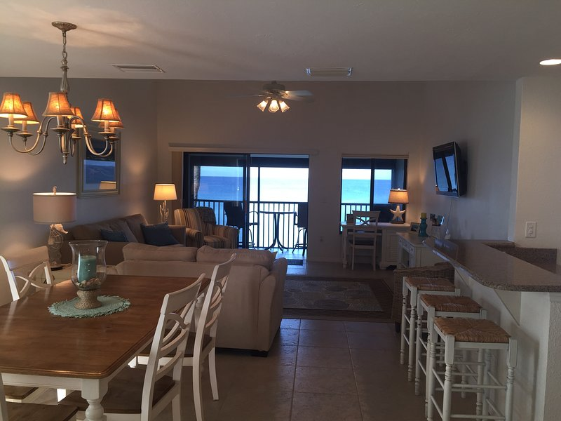 Glorious Gulf view from the living room, dining area, and kitchen. - Glorious Gulf view - Manasota Key - rentals
