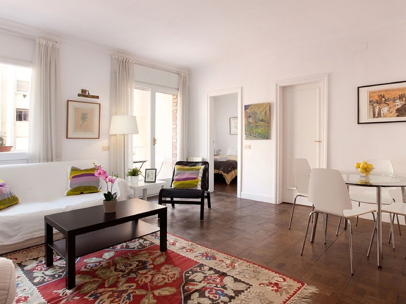 LetsGoBarcelona Diagonal Ave. with private terrace for 6 persons - Image 1 - Barcelona - rentals