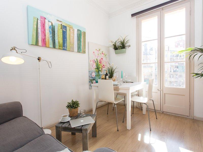 Sunny centric apartment - Image 1 - Barcelona - rentals