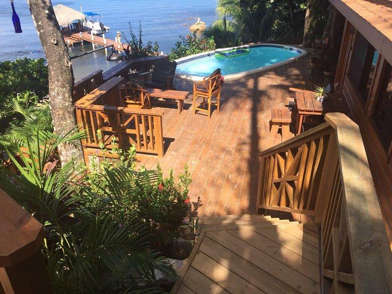 Beautiful Myan Ocean, beach and pool front deck! - Turtle Beach Ocean & Beach Front Villas & Cabins!! Myan - Roatan - rentals