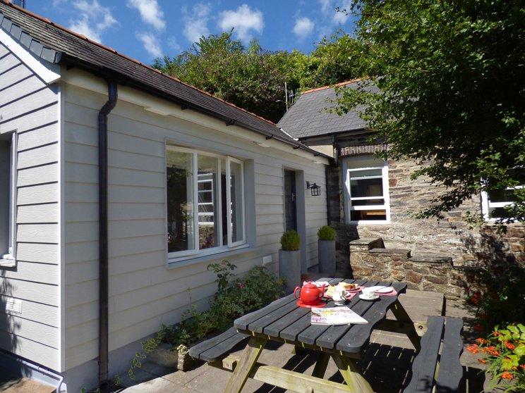 2 Penally Boathouse Mews - Image 1 - Cardigan - rentals