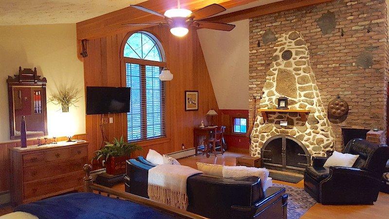 Master Bedroom Fireplace - Fox Hollow - Stowe - rentals