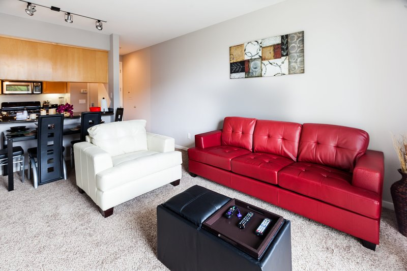 Heaven on Hollywood Vine- 1BR Furnished Apartment - Image 1 - Los Angeles - rentals