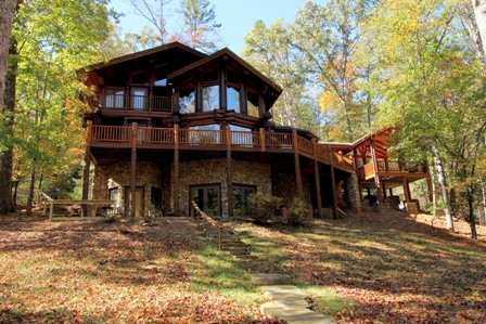 Western cedar genuine log cabin - River Ridge Lodge on the Toccoa Riverfront - Book By Bedroom Rates - 4 King beds - Blue Ridge - rentals