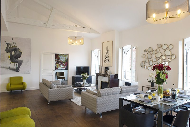 Splendid contemporary 3 bedroom at Jardin Public - Image 1 - Bordeaux - rentals
