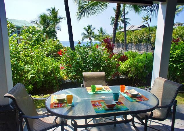 Lanai off Kitchen with Dining and Ocean Views - Kona Bay Beach House - Kailua-Kona - rentals