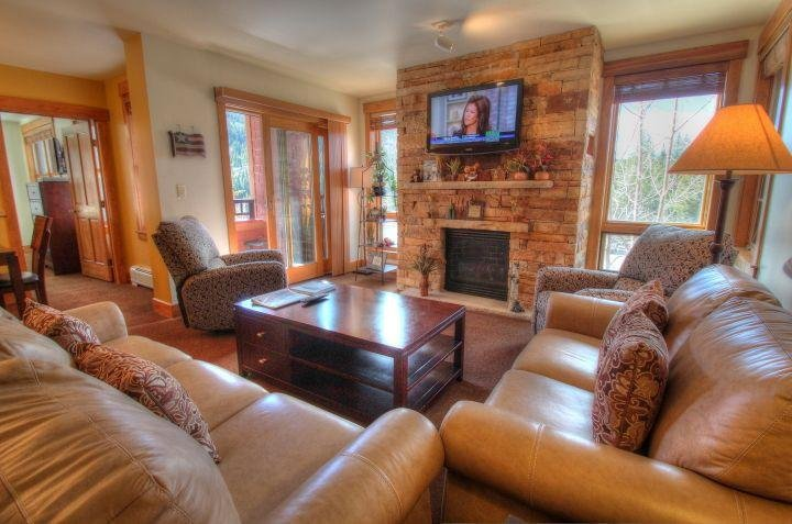 """SkyRun Property - """"8844 The Springs"""" - Living Room - Check out this new gorgeous gas fireplace! - 8844 The Springs - Keystone - rentals"""
