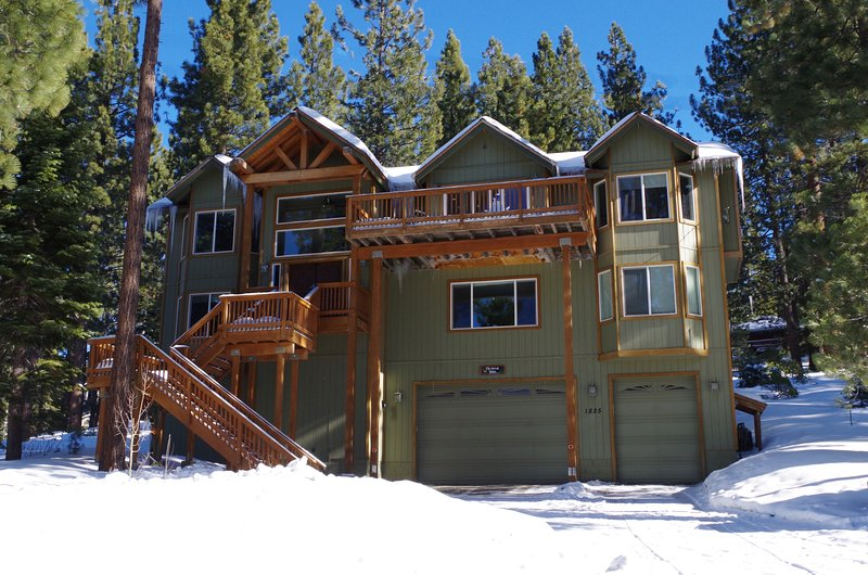 Winter at Elk View at Tahoe - Awesome 6-br Luxury Home, 3400 Sq Ft, Hot Tub - South Lake Tahoe - rentals