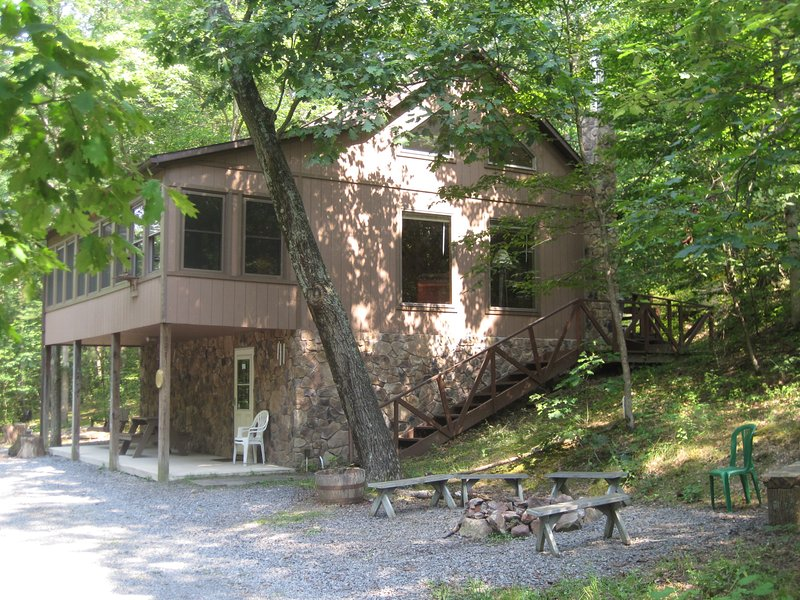 Wildwood Chalet - Image 1 - Huntingdon - rentals