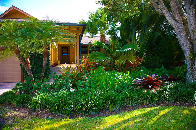 Unique Private Home with Lush Garden and Secluded - Image 1 - Marco Island - rentals