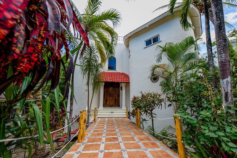 End od Culadasac Jungle on one side backing onto fase 1 properties - Casa Sand Castle Playa Del Carmen - Playa del Carmen - rentals