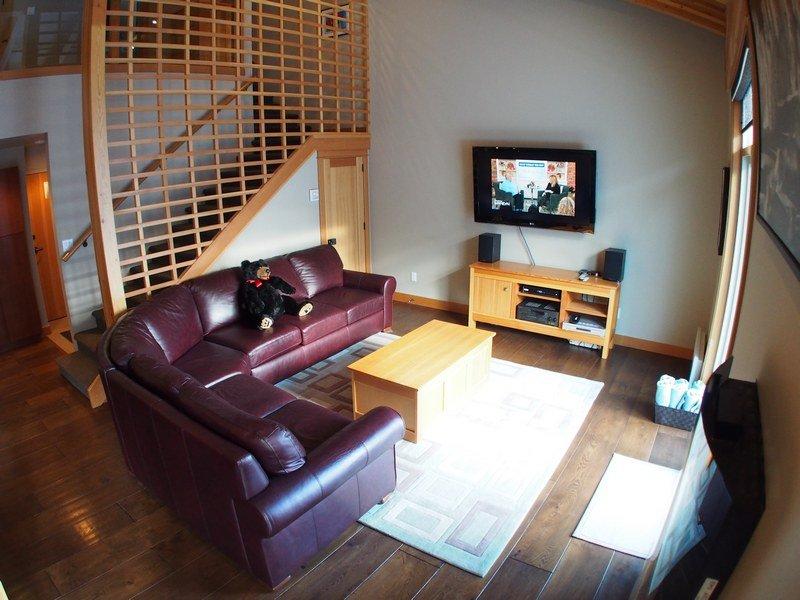 KL404Livingroom - Kookaburra Village Center - 404 - Sun Peaks - rentals