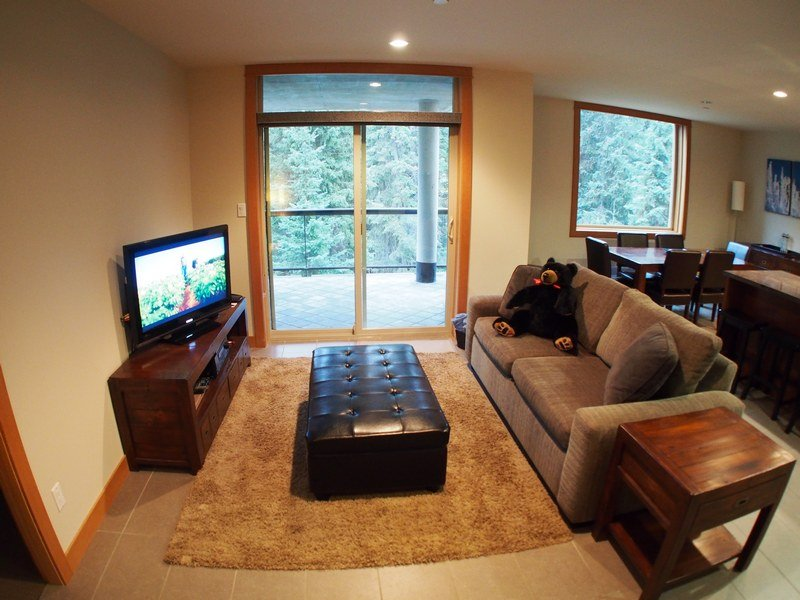 KL204Livingroom - Kookaburra Village Center - 204 - Sun Peaks - rentals