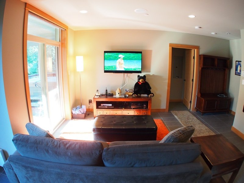 KL205Livingroom - Kookaburra Village Center - 205 - Sun Peaks - rentals