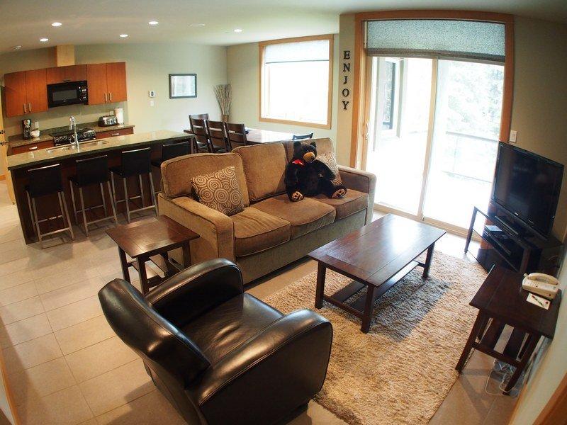 KL304Livingroom - Kookaburra Village Center - 304 - Sun Peaks - rentals