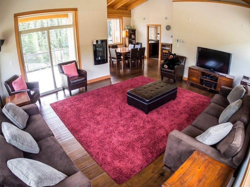 KL402Livingroom - Kookaburra Village Center - 402 - Sun Peaks - rentals